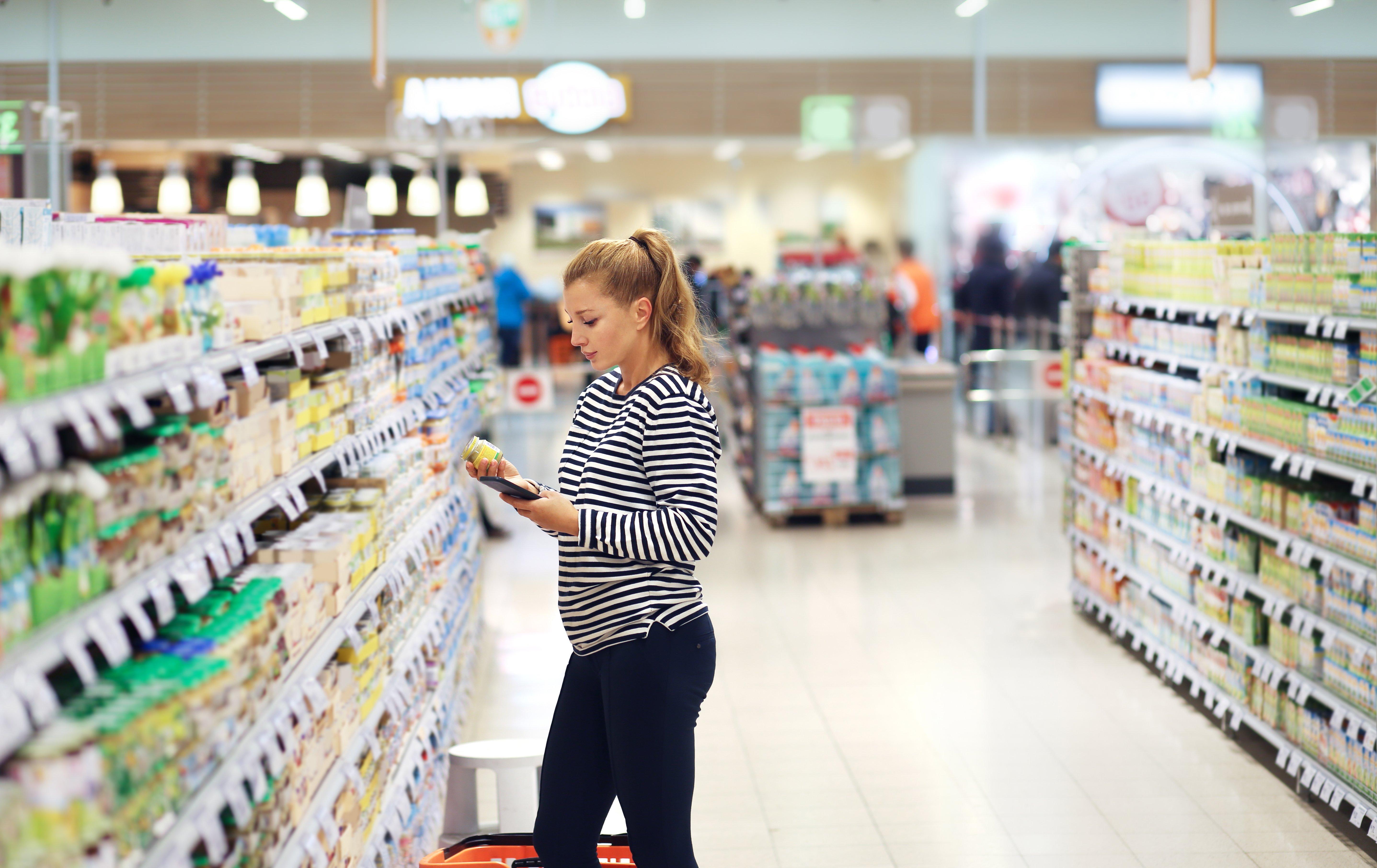 Femme supermarché